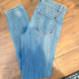 Tommy Hilfiger Jeans, Slim-between skinny-straight